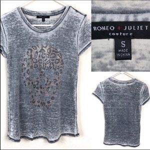 Romeo + Juliet Couture gray burn out tee